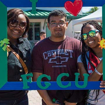 Photo of FGCU proud students