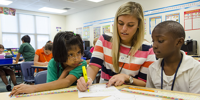 fgcu student teaching young students